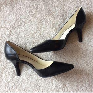 NWOT Anne Klein Yolden pointed toe black heels